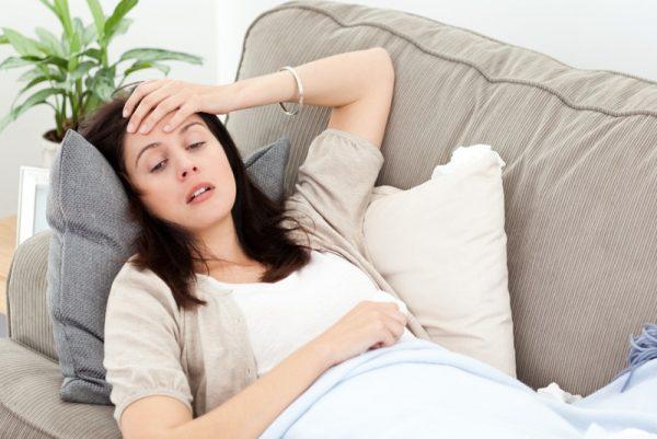 Сильная головная боль и тошнота причины
