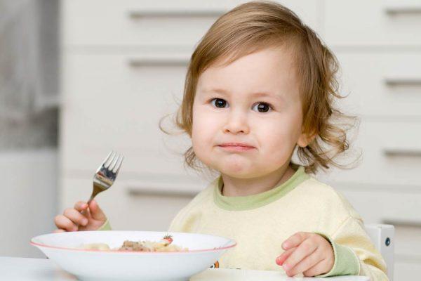 Почему ребенка тошнит по утрам