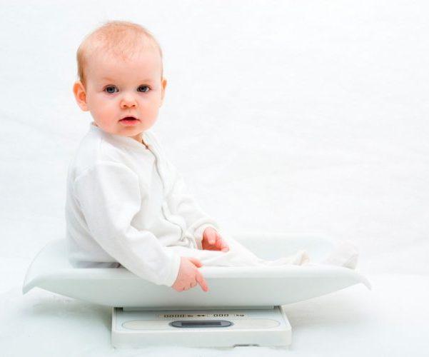 Колики и вздутие живота у новорожденных